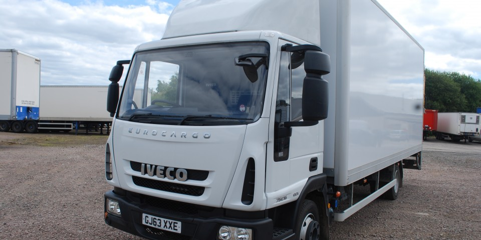 Iveco 75e16 7500KG Box tail lift |